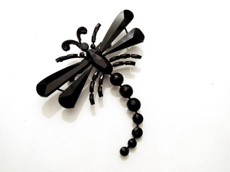 Černá bižuterie