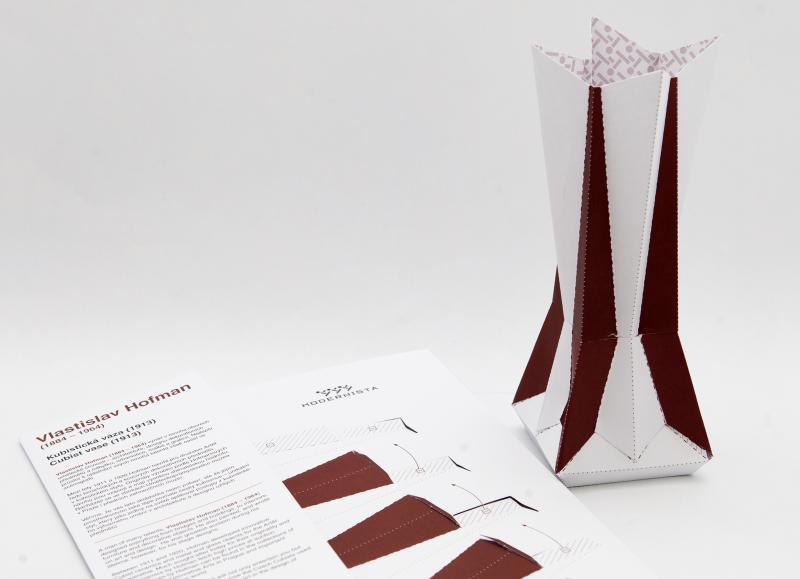 Papírová skládačka kubistické vázy