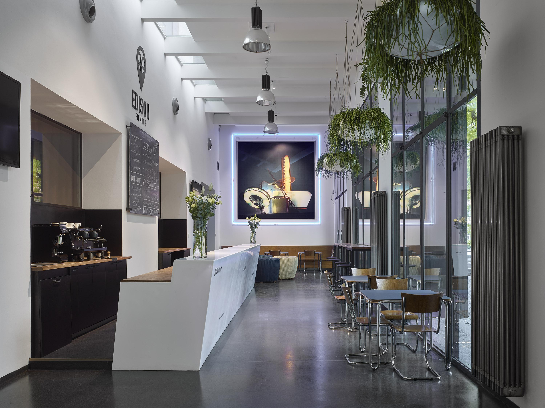 Edison Filhub Café